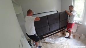 Przygotowanie wezgłowia do składania i skręcania łóżka